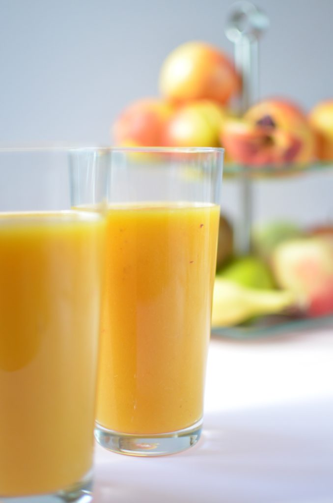 Smoothie-brzoskwinia-mango-banan.