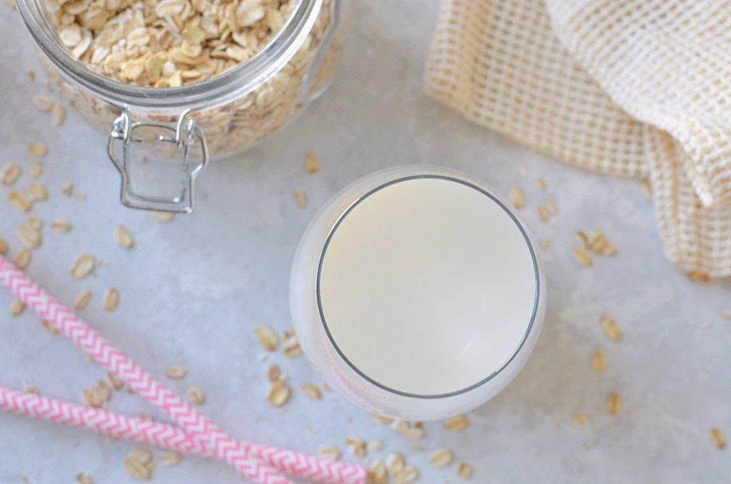 Domowe mleko owsiane.