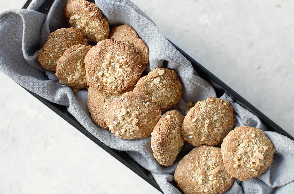 Ciasteczka owsiane z orzechami.